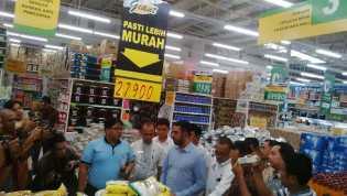 KPPU Sidak Giant dan Distributor UD Hidup Jaya, Pantau Harga Tiga Komiditi