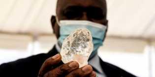 Batu Berlian Terbesar Ketiga di Dunia Berhasil Ditemukan, Begini Penampakannya