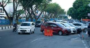 Pembayaran Parkir di Sejumlah Titik Jalan tak Pakai Uang Tunai