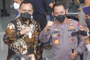 Diskusi Heboh Netizen: Pegawai Tak Lolos KPK Ditampung jadi Anggota Polri