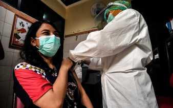 Ribuan Warga Teken Petisi Desak Jokowi Batalkan Vaksin Berbayar