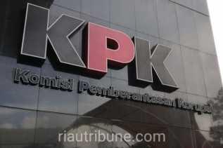 Terjaring OTT KPK, Tim Direskrimsus Polda Riau Jemput Paksa Pejabat Kuansing