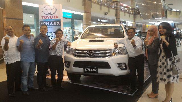 Ayo, Lihat Ketangguhan Toyota New Hilux