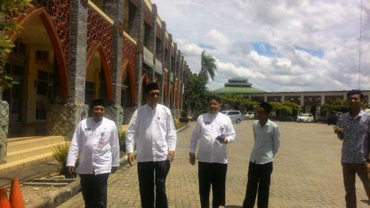 Bupati Kampar Azis Zaenal Tinjau Masjid Islamic Center Bangkinang