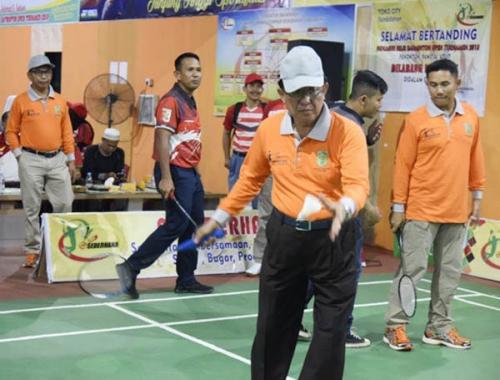 Turnamen Badminton Diikuti Puluhan Peserta hingga Luar Provinsi