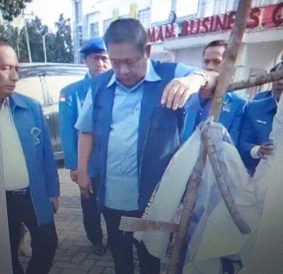 Baliho Partai Demokrat Dirusak, SBY langsung Turun Chek Lapangan