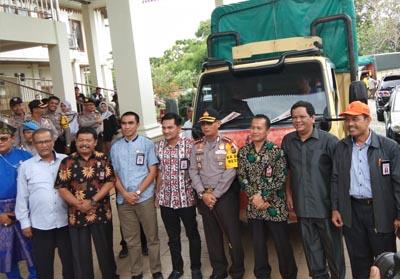 KPU Pekanbaru Lepas Pengiriman Logistik ke PPS se-Kota Pekanbaru