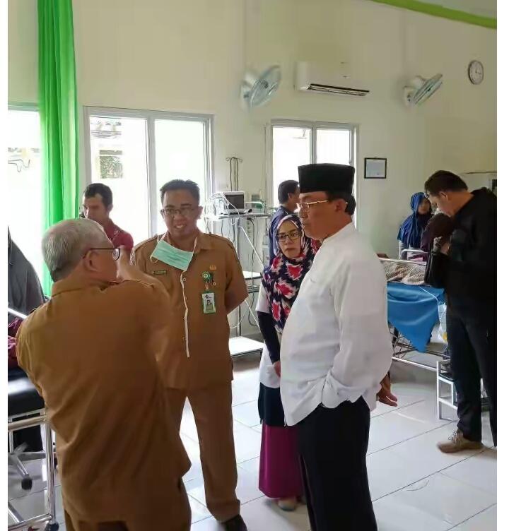Bupati Inhil Kunjungi Para Pasien RSUD Puri Husada Tembilahan