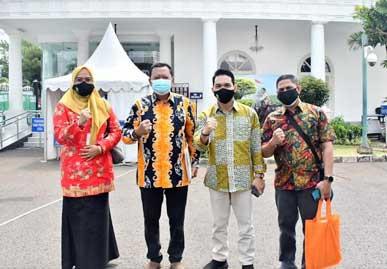 Pemprov Riau Antar Langsung Aspirasi Buruh dan Mahasiswa ke Istana Kepresidenan