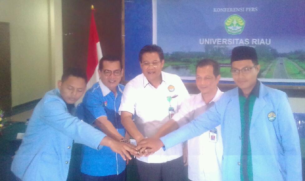 Rektor UR Saksikan Perdamaian Kedua Fakultas.