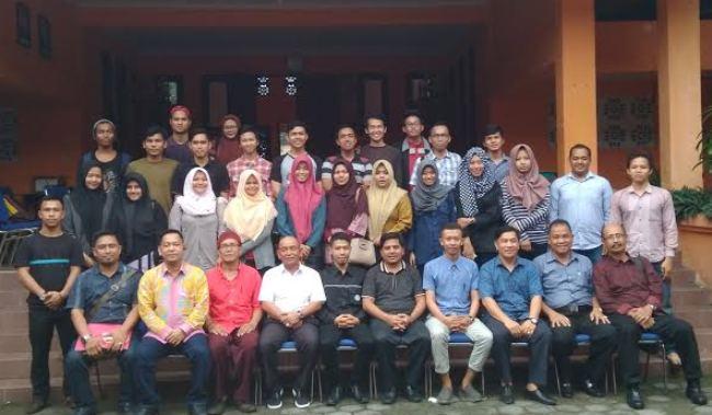 H.M. Harris Silaturahmi dengan Mahasiswa Riau Yogyakarta