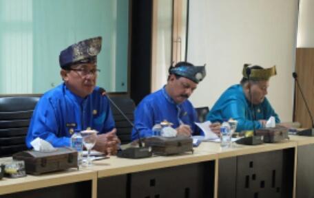 Bupati Perintahkan Jajaran Pemkab Inhil Jadwalkan Ulang Pertemuan Bahas Anjloknya Harga Kelapa