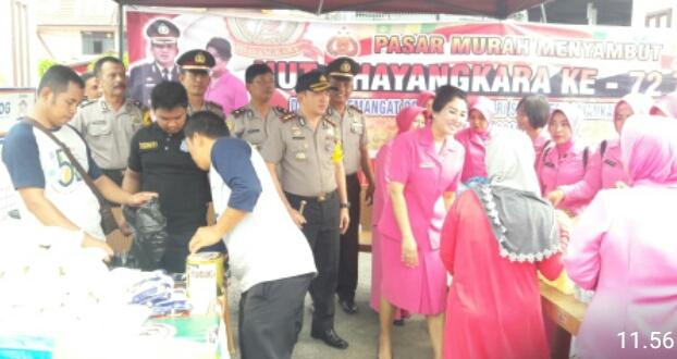 Rangkaian HUT Bhayangkara ke-72, Polres Inhil Taja Pasar Murah