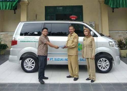 """""""Suzuki Donasikan APV Ambulance Kepada Pemenang Fasilitas Kesehatan Tingkat Pertama (FKTP) Berpresta"""