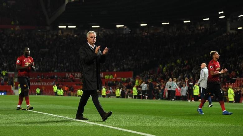 Dipecat MU, Mourinho Akhirnya Check Out dari Hotel Setelah 895 Hari
