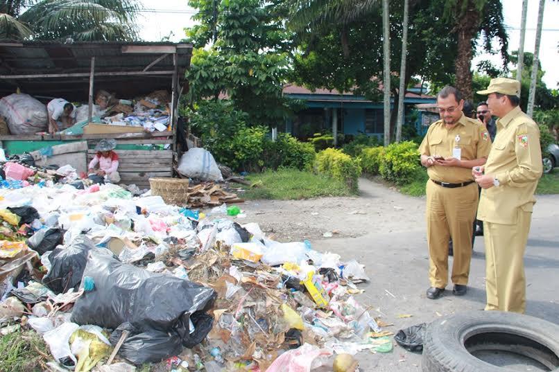 Walikota Pekanbaru Warning DKP, 1x24 Jam Sampah Sudah Harus Teratasi