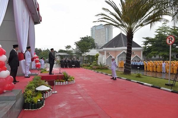 Dirut Bank Riau Kepri Tetap Semangat Bacakan Pidato HUT RI ke 73