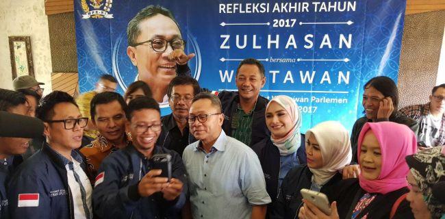 Ketua MPR Ajak Media Rekatkan Kembali Persatuan