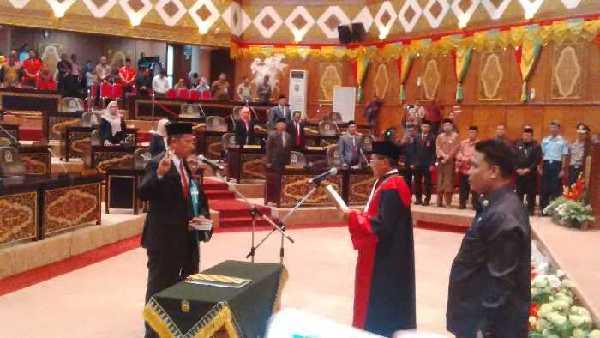 Kordias Pasaribu Resmi Gantikan Manahara Manurung di Kursi Wakil Ketua DPRD Riau
