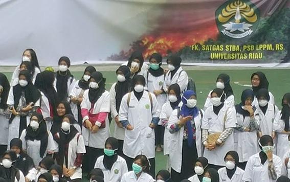 Ratusan Mahasiswa Kedokteran UR Galang Aksi