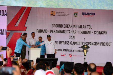 Gubri Hadiri Ground Breaking Tol Padang-Pekanbaru