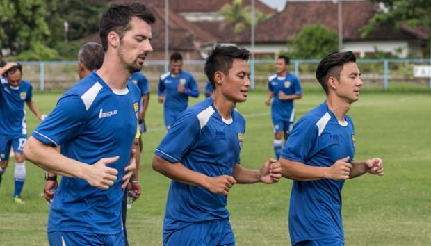 Hadapi Madura United, Persib Bandung Tanpa Vujovic