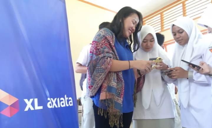 Karyawan XL Axiata Berbagi Pengetahuan Dunia Digital di Aceh