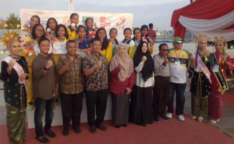 Ditonton Komisi V DPRD Riau,Tim Renang Riau Juara Umum