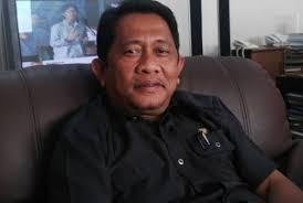 Sah,  Yan Prana Sekda Riau