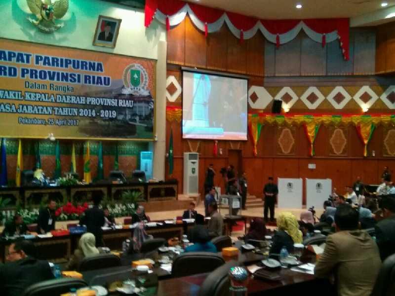 Wan Thamrin Hasyim Terpilih Sebagai Wakil Gubernur Riau