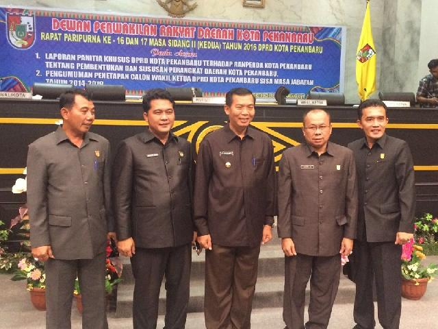 Jhon Romi Resmi Sebagai Wakil Ketua DPRD Pekanbaru