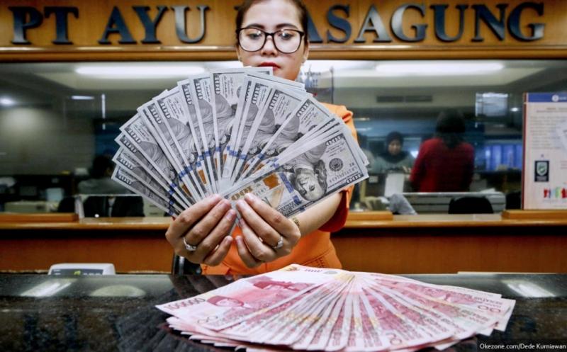 Berhasil Lawan Keperkasaan Dolar AS, Rupiah Rp13.355