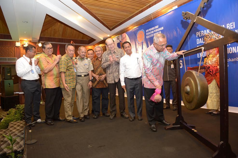 Gubri buka Rapat Kerja REI Provinsi Riau 2016