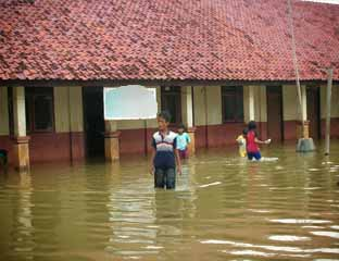 Karena Banjir, 9 Sekolah di Pelalawan Diliburkan
