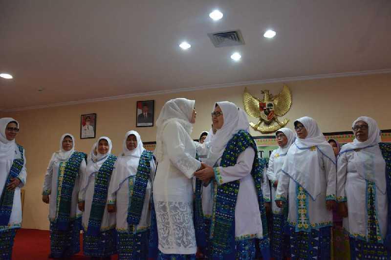 Septina Primawati Dilantik Jadi Ketua PW BKMT Provinsi Riau