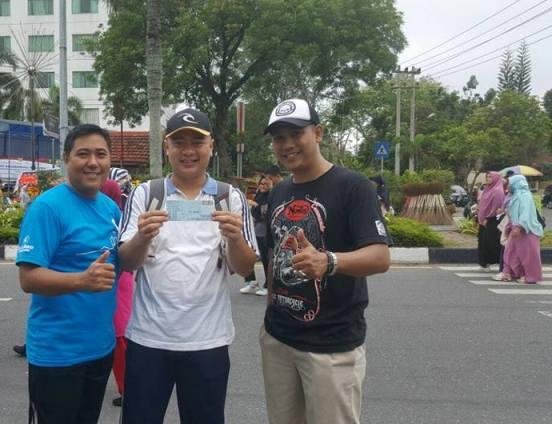 Taja Senam Bersama, Bagi Voucher Gratis Naik Taksi