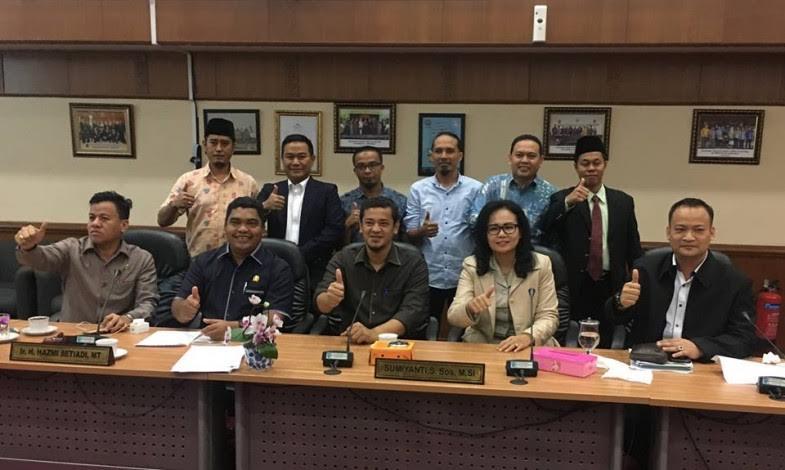 """""""Proses Pemilihan KPID Riau Cacat Hukum"""""""
