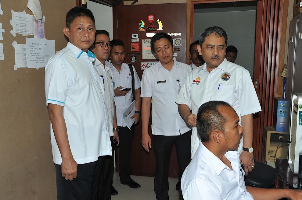 Sekda Prov Riau Sidak Ruangan Biro Humas Protokol dan Kerjasama