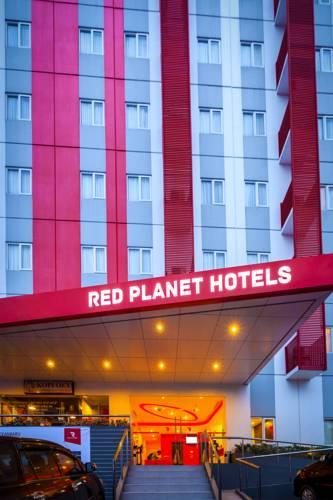 Red Planet Pekanbaru Beri Diskon 50 Persen di Ulth ke 5