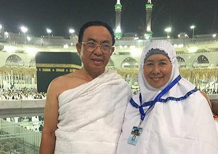 HM. Wardan dan Isteri Kembali dari Umroh,