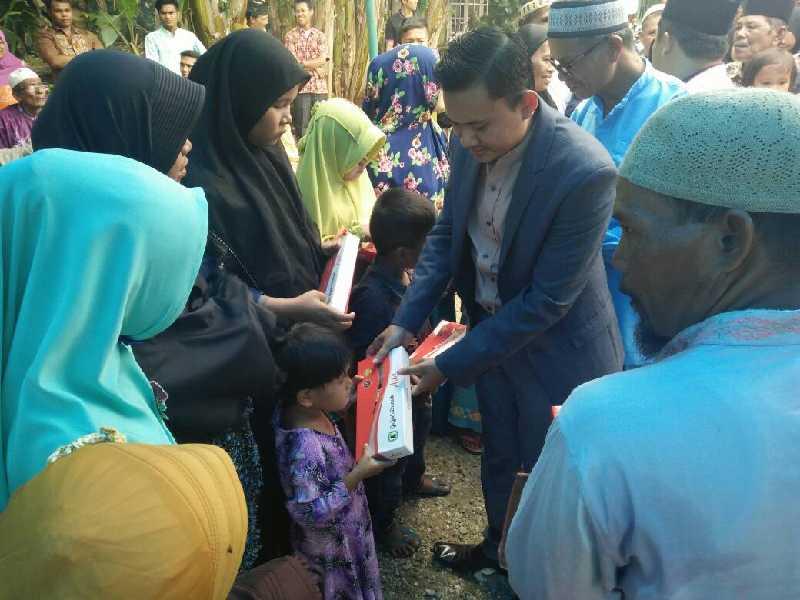Ketua DPRD Riau Septina Primawati Santuni Puluhan Anak Yatim di Kampar