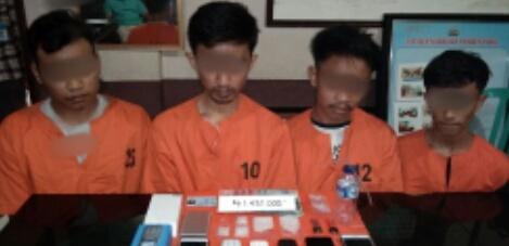 Polres Inhil Amankan 4 Paket Sabu dan Empat Remaja Pria