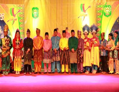 Syamsuar Resmi Buka Festival Siak Bermadah XV