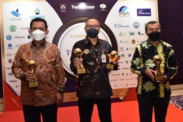Bank Riau Kepri Raih 4 Award Top BUMD 2021