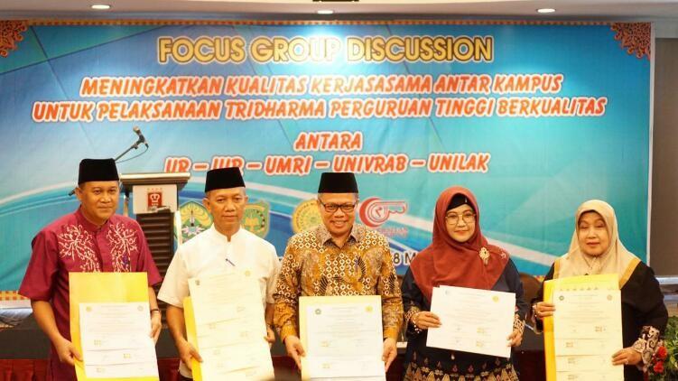 Lima Universitas di Riau Jalin Kerjasama Tri Dharma Perguruan Tinggi
