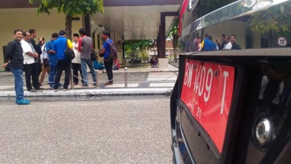 Penarikan Mobil Dinas Eks Pejabat Terkendala Dana, ini Penjelasan Kasatpol PP Riau,