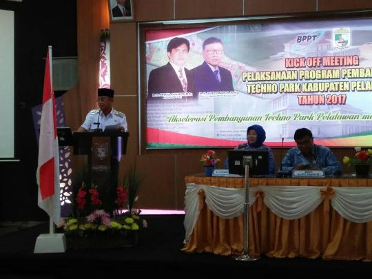 Bupati Pelalawan Hadiri Kick Off Meeting Akselerasi Techno Park Langgam