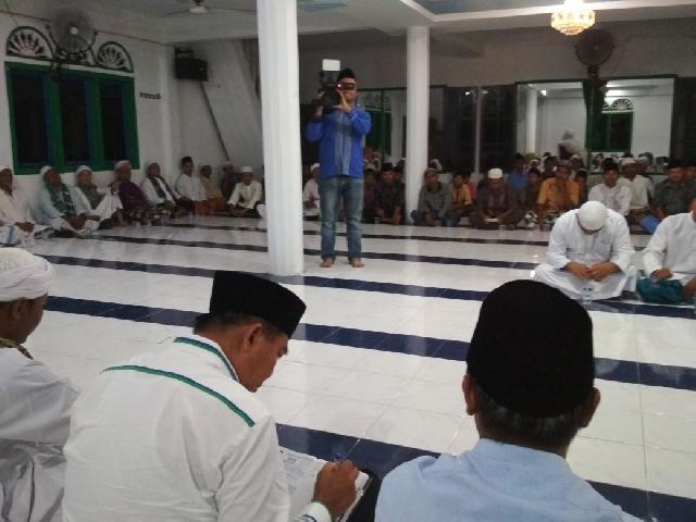 Jemaah Naqsabandiyah Lantunkan Ayat-ayat Suci Al-Quran dan Doa untuk Pasangan Firdaus-Rusli