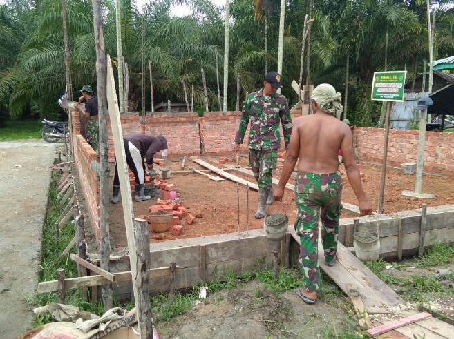 TMMD Kodim 0314/Inhil, Pembuatan MCK dan Tempat Wudhu di Masjid Baiturrahman Terus Digesa