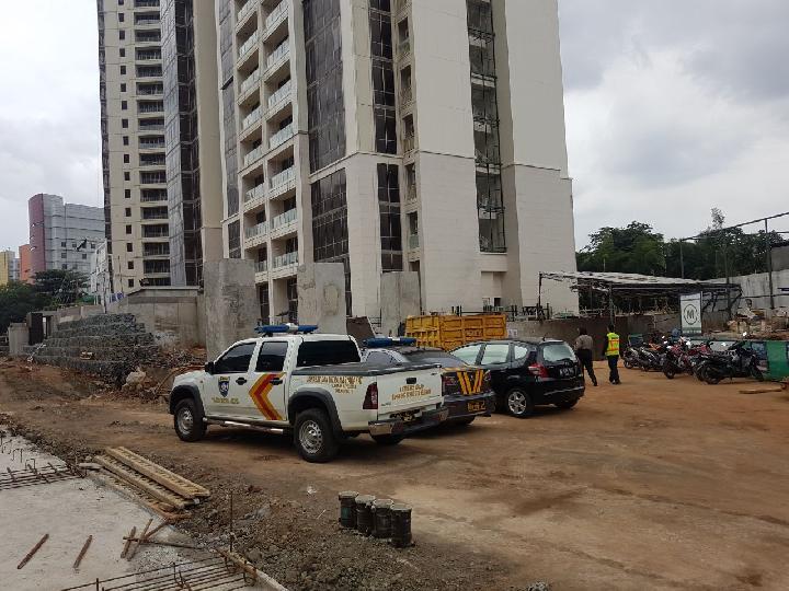 Jasad 3 Korban Tembok Ambruk di Apartemen Pakubuwono Dievakuasi